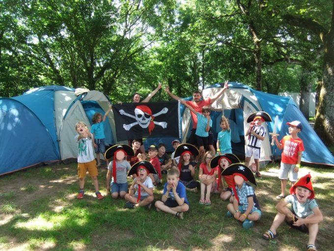camp pirates (2)